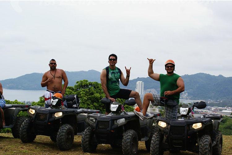 普吉岛驾驶200cc atv越野四驱车