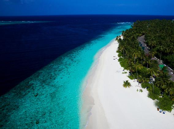 马尔代夫5晚7天百变自由行【库拉玛蒂/2沙2水/含全餐】