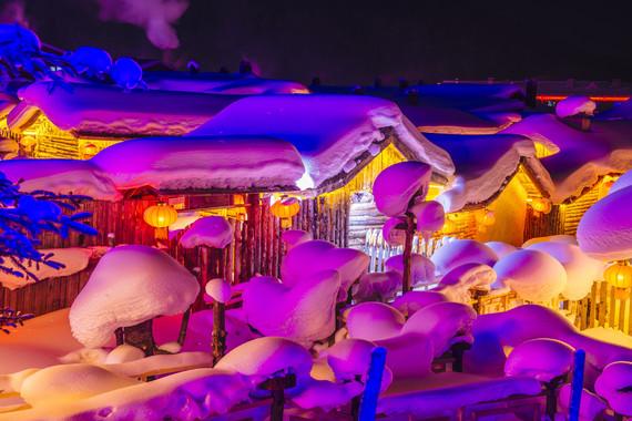 【购惠玩】吉林雾凇、万科滑雪、长白山天池、镜泊湖冬捕、雪乡、亚布力、哈尔滨、漠河北极村双高双卧9日游